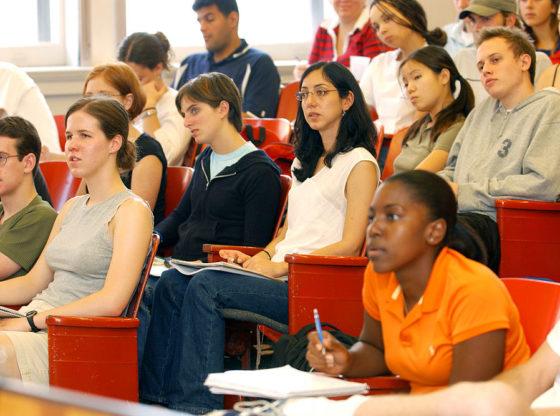 Chcete sa naučiť po anglicky? Skúste jazykový pobyt!